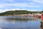 Utsikt över Ulvöhamn från kajen nedanför hotellet